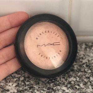 MAC Mineralized Skin Finish Porcelain Pink